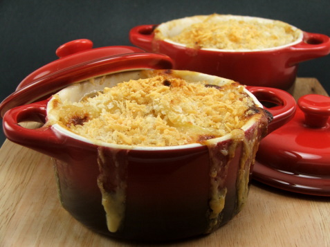 A delish potato gratin made with five artisan cheeses (2/2)