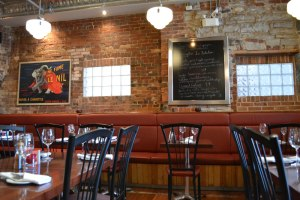 Le Chien Noir: The Kingston resto definitely looks like a bistro.